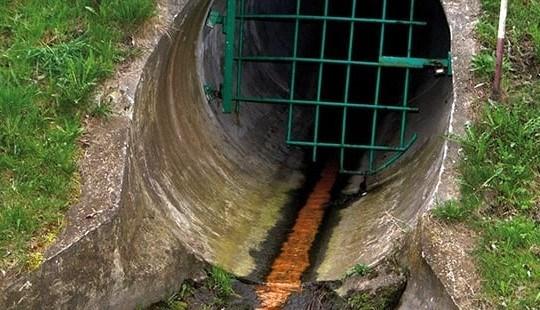 ¿Cómo funciona un biodigestor para tratar aguas cloacales?
